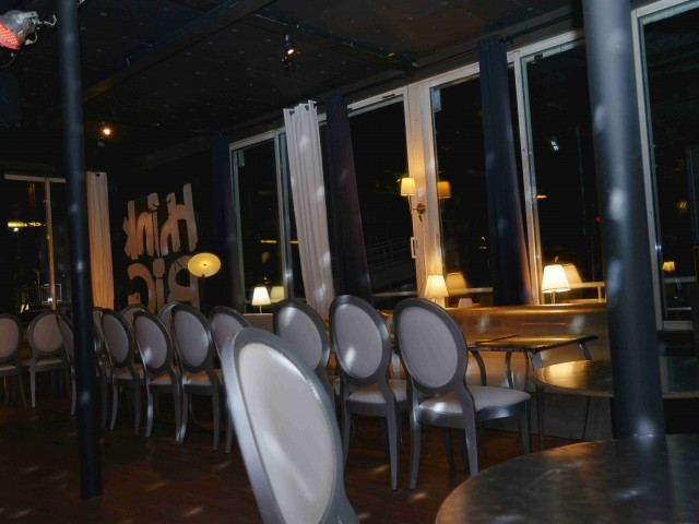 Café Barge RESTAURANT